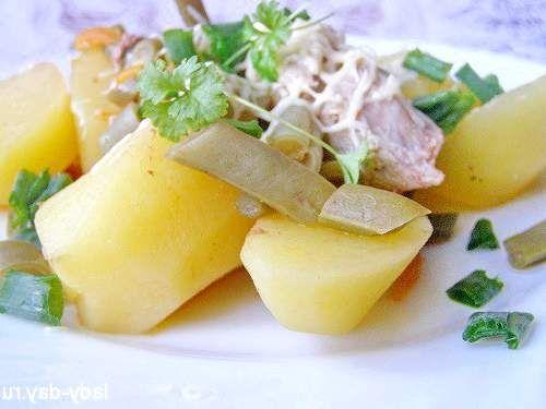 Картопля тушкована з м'ясом