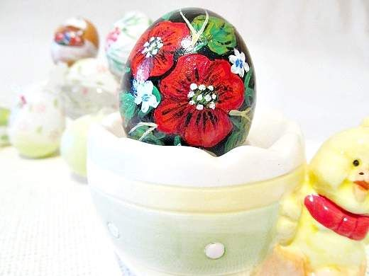Розписне пасхальне яйце «маки»