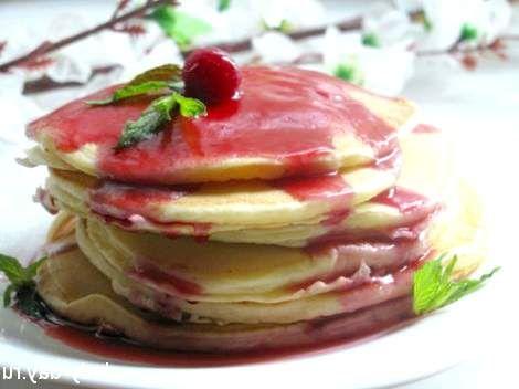 Рецепт панкейк з вишневим соусом
