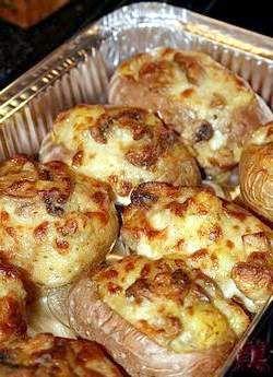 Фарширований картопля в духовці